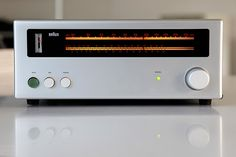 1275 Tuner by Dieter Rams. (photo via flickr.com by photonium)