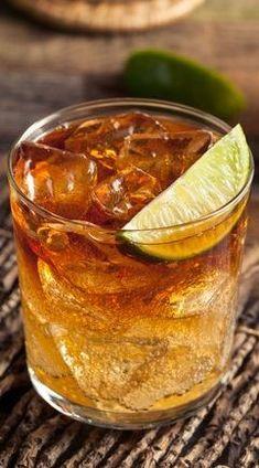 Dark 'n Stormy: - 4 ounces ginger beer - 2 ounces dark rum - Lime wedge Coc. - Dark 'n Stormy: – 4 ounces ginger beer – 2 ounces dark rum – Lime wedge Cocktails Stup - Dark Rum Cocktails, Spiced Rum Drinks, Rum Mixed Drinks, Easy Rum Drinks, Healthy Cocktails, Summer Cocktails, Bacardi Drinks, Coconut Rum Drinks, Whiskey Drinks