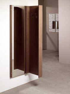 Espejo ventana persiana verde oval ahora tenemos otros for Oficina objetos perdidos barcelona