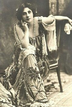 Great vintage photo - I want that dress....