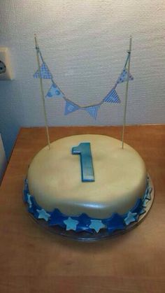 Made 2 birthdaycakes for my youngest nephew when he turned 1 in August.
