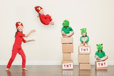 Jason Lee has been posting creative portraits of his two daughters for the past years from holidays to Angry Birds.