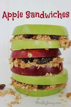 This apple sandwiches recipe is not only pretty, it& lots of fun to make (and eat)! It& perfect for an after school snack or in a school lunchbox. Apple Dessert Recipes, Gourmet Recipes, Snack Recipes, Cooking Recipes, Healthy Recipes, Fall Recipes, Healthy Foods, Healthy Eating, Desserts