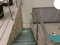 Privátní wellness s posilovnou Stairs, Wellness, Home Decor, Stairways, Stairway, Interior Design, Home Interiors, Staircases, Decoration Home