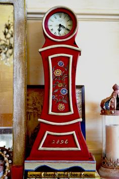 I revamped and hand painted a miniature antique Mora clock with some #Annie Sloan #Chalk Paint