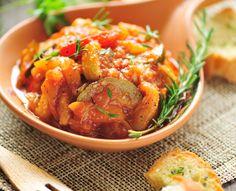 Ratatouille – ein gesundes, französisches Gemüse Rezept  Dieses einfache Ratatouille Rezept lässt sich in 30 Minuten nachkochen. Als leichtes Gemüsegericht kann die Ratatouille (Ratatui) sowohl warm als auch kalt gegessen werden.  http://einfach-schnell-gesund-kochen.de/ratatouille/