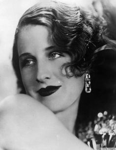 10 Screen Sirens Whose 1930s Hairstyles Took Our Breath Away - Norma Shearer