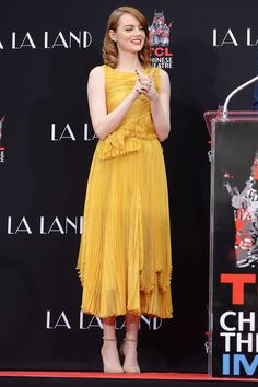 Emma Stone - Hand and Footprint Ceremony - Rochas Emma Stone Style, Most Beautiful Dresses, Nice Dresses, Beautiful Women, Celebrity Outfits, Celebrity Style, Estilo Emma Stone, Thing 1, Red Carpet Looks