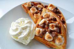 Waffles con trozos de chocolate y malvavisco