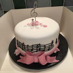 Music Themed Cakes, Music Cakes, Chocolate Almond Cake, Almond Cakes, 12th Birthday Cake, Piano Cakes, Royal Icing Cakes, Beautiful Birthday Cakes, Girl Cakes