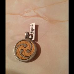Tre Pendant New, Onward Forever, Never Still, pendant only, no box Jewelry