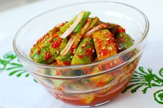 Chinese-Korean Cucumber Kimchi pickles Delicious and easy Korean-style refrigerator pickles with a bit of Chinese flair! It goes very well with Korean BBQ dishes. Korean Cucumber, Cucumber Kimchi, Korean Dishes, Korean Food, Korean Bbq, Vietnamese Food, K Food, Food Gallery, Veggie Dishes