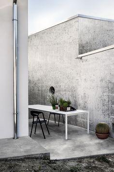 Thin-K Longo outdoor + Compas chair #outdoor #outdoorliving #outdoordesign