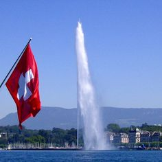 Geneva and its Lake | National Day #genevacity #ttot #visitgeneva #geneve#swissriviera #switzerland #geneva #bainsdespaquis #citybreak#switzerland #lacdegeneve #lac #riviera #luxurytravel #lakegeneva #lacleman#genevalake  #hotelview#peace #view #genevacity #monument #lacleman #genevalake#hotelview #peace #view #phare#mountain #igersuisse #uno  #waterfountain #geneva #bfmgeneva #genevalive