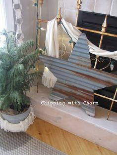 "Chipping with Charm: Rustic ""Tree"" Mantel. Barn Wood Crafts, Farm Crafts, Rustic Crafts, Metal Crafts, Rustic Decor, Rustic Wood, Country Decor, Corigated Metal, Metal Roof"