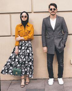 Fk ile çekilmişiz ,paylaşmamam söz konusu bile olamaz 🤜🏻 Çünkü can… Modern Hijab Fashion, Street Hijab Fashion, Hijab Fashion Inspiration, Fashion Photography Inspiration, Muslim Fashion, Modest Fashion, Fashion Outfits, Hijab Casual, Hijab Chic