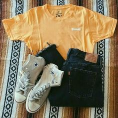 Yellow Honey Tee - Outfit shoes - - Baby clothing boy, Baby clothing girl, Gender neutral and baby clothing Teenage Outfits, Teen Fashion Outfits, Look Fashion, Girl Outfits, Child Fashion, Fall Fashion, Feminine Fashion, Freshman High School Outfits, Womens Fashion