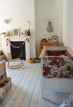 Preciosa habitación de bebé con aires rústicos.   #DecoracionInfantil