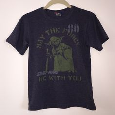Star Wars Tee Fits like women's xs. Questions and offers accepted! Junk Food Tops Tees - Short Sleeve