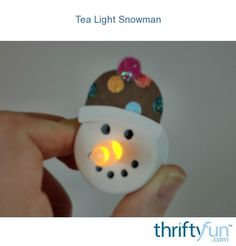 Tea light snowman ornament- The flame of the battery operated tea lights make a perfect carrot nose for a snowman. With a few supplies you can make an adorable ornament! Could use this for the classroom Christmas Projects, Holiday Crafts, Holiday Fun, Christmas Holidays, Christmas Decorations, Christmas Ideas, Preschool Christmas, Christmas Activities, Holiday Decorating