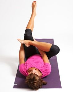 Yoga pose that burns belly fat Best Post Workout, Best Cardio, Yoga Fitness, Health Fitness, Bra Hacks, Bedtime Yoga, Gym Body, Health Motivation, Yoga Inspiration