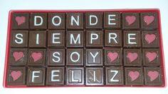 Cartel de amor  hecho con chocolate de Gonzalo a su novia.