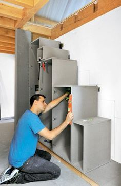 Climbing a beautiful staircase with storage: instructions for use Small Space Staircase, Space Saving Staircase, Loft Stairs, House Stairs, College Loft Beds, Cottage Stairs, Student Bedroom, Loft Bed Plans, Home Office Layouts