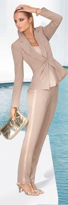 Madeleine ~ Que lindo queda el pantalón con la franja en el lateral.
