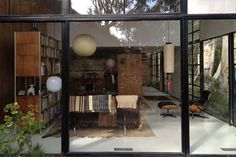While attending a conference in Los Angeles, we had the chance to visit the Eames House, the home of famed designers Charles and Ray Eames. Charles Eames, Blue Square, Windows And Doors, Display Ideas, Costa Rica, Interior And Exterior, Warehouse, Loft, Interiors