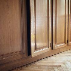 Massiccio  #falegnameria #falegnameria #wooddesign #wood #woodworking #woodenart #woodporn #woodshop #woodwork #woodcraft #custommade #handmade #craftsman #artisan #artisanal #homedecor #workshop #interiordesign #carpentry #carpenter #reclaimedwood #customwoodwork #like4like #likeforlike #likeforfollow #likefortags #armadio #massello #rovere