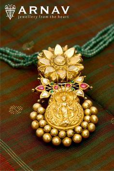 Designer antique gold jewellery from Arnav jewellers. Sterling Silver Jewelry, Gold Jewelry, Beaded Jewelry, Jewelery, Bridal Jewelry, Antique Jewellery Designs, Gold Jewellery Design, Diamond Jewellery, Handmade Jewellery