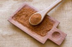 Used as a condiment that is often combined with other ingredients when in ground form. Merkén is a traditional condiment in Mapuche cuisine in Chile. Chili, Seeds, Stuffed Peppers, Tableware, Salt, Gastronomia, Smoker Cooking, Dressings, Spice