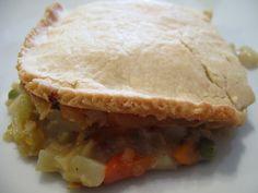 L'Acadienne Vegetarienne: Pâté aux légumes VÉGÉTALIEN Spanakopita, Pie, Ethnic Recipes, Desserts, Food, Meal, Eat, Cooking Food, Tarts