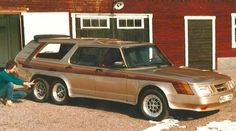 What Could've Been: Saab's Six-Wheeled 1984 906 Turbo Concept Car Strange Cars, Weird Cars, Cool Cars, Crazy Cars, Fiat 126, Ferrari 348, Car Throttle, Scandinavia Design, Saab 900