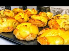 Odată ce încerci, le vei face mereu! Secretul celor mai delicioase prăjituri |Olesea Slavinski - YouTube Romanian Food, Romanian Recipes, Pretzel Bites, Deserts, Mai, Bread, Fruit, Youtube, Sweets
