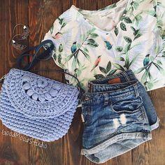 Summer look . . . #knitting #crochet #handmade #craft #tyarn #knitspiration #trapillo #трикотажнаяпряжа #bohochic #crochetbag #handmadebag #clutch #bohostyle #bohobag #beachstyle #bohofashion #etsy #beachbag #beachgirl #beachlook #вязаниекрючком #clutchbag #clutch #beachstyle #beachbag #beachgirl #beachlook #вязаниекрючком #pompomtassel #pompoms #bohemian #textilebags #tassels #bohemianfashion #etsyshop #etsyseller