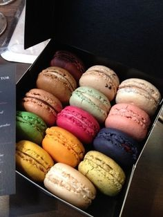 See 32 photos and 5 tips from 97 visitors to Hugo & Victor. Sweet Recipes, Snack Recipes, Delicious Desserts, Yummy Food, Macaron Cookies, Tumblr Food, Food Snapchat, Baking Business, Exotic Food