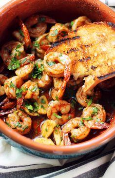Spanish Shrimp This recipe is my take on a classic Spanish Tapas dish called Gambas al Ajillo, which basically translates to garlic shrimp. Tapas Recipes, Fish Recipes, Seafood Recipes, Mexican Food Recipes, Cooking Recipes, Healthy Recipes, Tapas Ideas, Spanish Food Recipes, Tapas Food