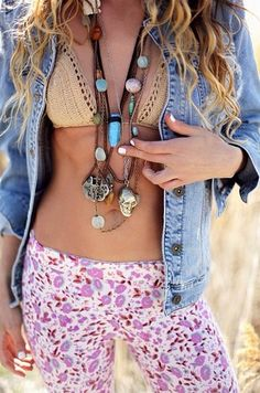 Crochet Swimwear ╰☆╮Boho chic bohemian boho style hippy hippie chic bohème vibe gypsy fashion indie folk the . ╰☆╮ Discovred by : Chiêu Firefly Crochet Boho Hippie, Modern Hippie Style, Estilo Hippie, Gypsy Style, Boho Gypsy, Bohemian Style, Style Me, Hippie Jewelry, Tribal Jewelry