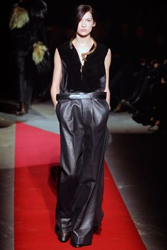 Maison Margiela Fall 2010 Ready-to-Wear - Collection - Gallery - Style.com
