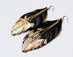 jewels black feather earrings earrings feather earrings gold gold and black chain earrings feathers valentines day gift idea texture