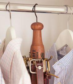 Colgador de cinturones En el espacio de una percha puedes colgar 12 cinturones El armario perfecto para ti y para él · ElMueble.com · Dormitorios