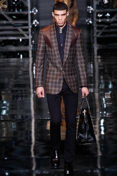 Versace - Fall 2014 Menswear - Look 17 of 50