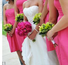 ove that the boquets are different from the bride!: pink and green wedding theme Lime Wedding, Lime Green Weddings, Pink Green Wedding, Pink And Green, Wedding Colors, Dream Wedding, Wedding Day, Pink Weddings, Wedding Things