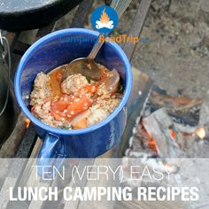 Lunch time at the campground is a good time... you hungry? Here's some great ideas & recipes on easy lunch camping meals! #camping #outdoors #recipes #RVing #hiking