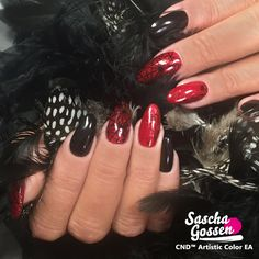 CND™ SHELLAC™ Black Pool and Ruby Ritz with Lecenté foil and the :YOURS loves Fee stamping plate. #CND™ #cndeducationambassador #cndshellac #cndworld #cndnederland #SHELLAC™ #Lecenté #laprofilique #foil #nails #nailart #nailpro #naildesigns #creative #yourscosmetics #yourslovessascha #yourslovessaschacollection #stamps #stampingnailart #stampingqueen ##sascha