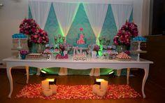 Rosa e azul Tiffany foram as cores da festa provençal da Nicolli Nicoletti | Capricho