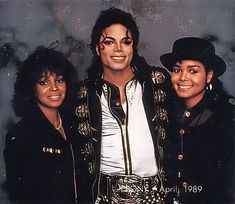 Rebbie Jackson, Michael Jackson, and Janet Jackson from the Bad era. Don't see much pictures of michael with rebbie Paris Jackson, Janet Jackson, The Jackson Five, Michael Jackson Bad Era, Jackson Family, Bad Michael, Lisa Marie Presley, Elvis Presley, King Of Music