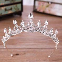 Bridal Hair Tiara, Bridal Crown, Headpiece Wedding, Bridal Headpieces, Wedding Veils, Wedding Hair, Wedding Jewelry, Princess Bridal, Princess Tiara