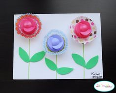 Meet the Dubiens: laundry lid spring flowers Cupcake Liner Crafts, Cupcake Liner Flowers, Cupcake Liners, Cupcake Wrapper, Flower Cupcakes, Spring Crafts For Kids, Summer Crafts, Art For Kids, Preschool Crafts